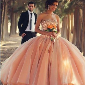 2017 hot sale strapless wedding dress ball gown beads sleeveless open back floor length ball gown wedding dresses bridal gowns
