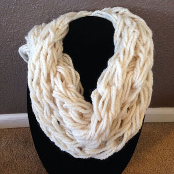 Chunky Knit Cream Scarf
