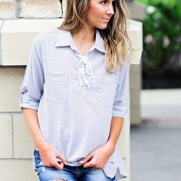 * Felicity Striped Lace Up Top : Black/White