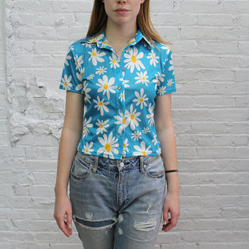 90s crop top / aqua daisy print stretchy shirt / vintage raver style turquoise top / belly shirt