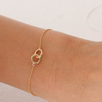 Circle bracelet. infinity bracelet. couple, friendship, mom,sister,wife,bridesmaid gift.choose your color, rose gold ,gold and silver. no45
