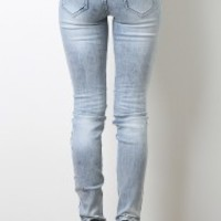 Center Distressed Jeans