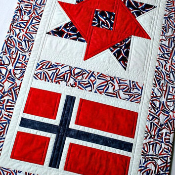 Quilted Patriotic Table Runner, Norwegian National Day, Red White Blue, 17th May Norway, Norwegian Flag, Long Table Runner, Table Quilt