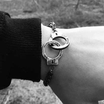 Fashion Retro Engraved Letter Chain Bracelet Couple Handcuffs Chain Bracelet