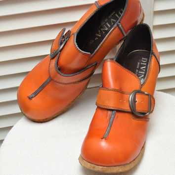 36d06c0d33bd Designer 70s Vintage Leather Shoes Divina Made in Italy 3 inch Wedge Heel  Crepe Sole L