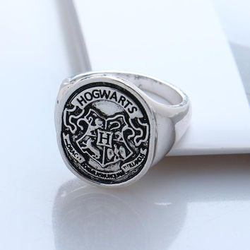 2016 New Hogwarts Bade Seal Death Hallows Ring the Slytherin School Steampunk Women Men Cocktail Ring Drop Shipping