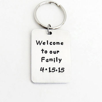 Gift for groom from in-laws - Wedding gift for son-in-law - Welcome to our Family keychain keyring with wedding date