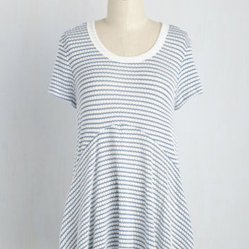 Queen of the Chill Top in Blue | Mod Retro Vintage Short Sleeve Shirts | ModCloth.com