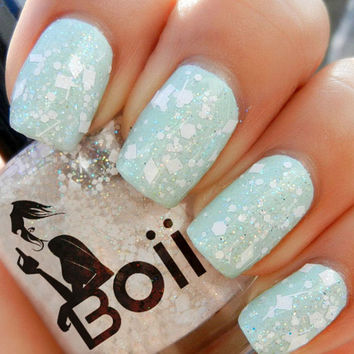 Boii Nail polish - it's snowing