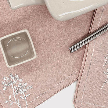 Pastel Marsala Chambray set of 4 napkins,queen anne's lace graphic,hand embroid,wild flower,summer wedding pantone, setting,wedding table