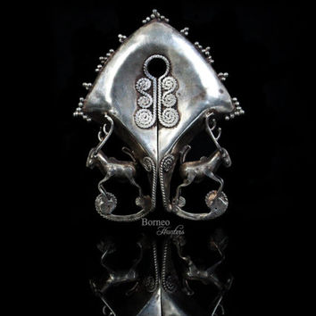 Mamuli Pendant Sumbanese Indonesian Ethnic Tribal Jewelry Charm Hirz Dangle Ornament.Deer At The Base Frontal Hanging Pendant Earring Status