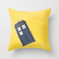 9th Doctor - DOCTOR WHO Throw Pillow by LindseyCowley