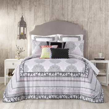 Jessica Simpson Asana Comforter Set in Black