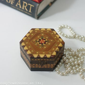 Islamic Jewelry Box With a Mirror, Wooden Inlay Mosaic Keepsake Box, Trinket with Geometric Pattern, Wood Chest Unique Gift for Her