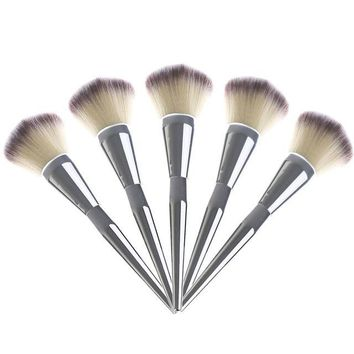 1 PC Hot Beauty Large Face Blush Powder Silver Foundation Handle Brushes New Makeup Cosmetic Tool