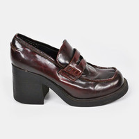 vintage 90s OXBLOOD LOAFERS / burgundy loafers / maroon loafers / oxblood chunky heel loafers / 90s chunky loafers / 90s grunge loafers / 8