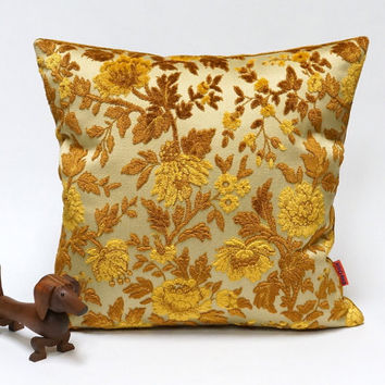 Floral Velvet Pillow Cover in gold en brown - Handmade with Love from vintage upholstery fabrics