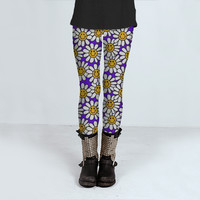 Purple Smiley Daisy Flower Pattern by Hippy Gift Shop (Leggings)