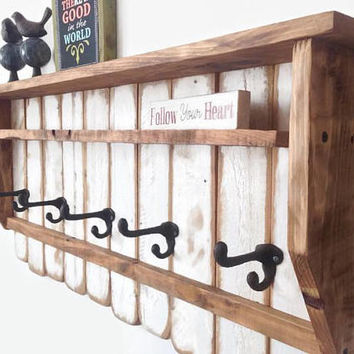 White Entryway Wood Shelf with Hooks / Rustic Pallet Coat Rack / Reclaimed Wood Shelves / Cast Iron Coat Hooks / Shabby Chic Shelf