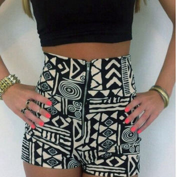 Black Spaghetti Strap Bodycon Cropped Top And Printed High Wait Shorts