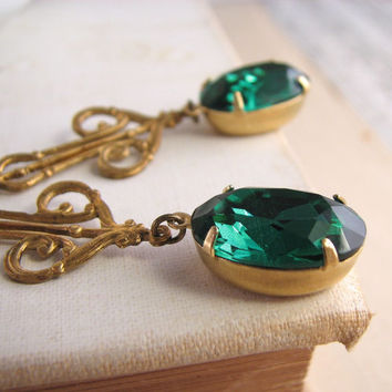 St Patrick's Day emerald green earrings vintage by shadowjewels