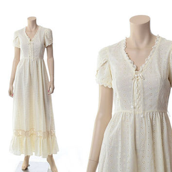 Vintage 70s Cream Eyelet Maxi Dress 1970s Corset Lace Hippie Festival Western Wedding Prairie Peasant Long Dress / S