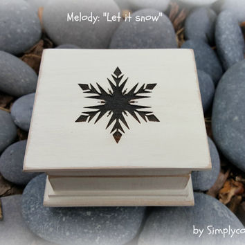 music box, christmas music box,  wooden music box, music boxes, snow flake, Simplycoolgifts, let it snow, last minute gift, music box shop,