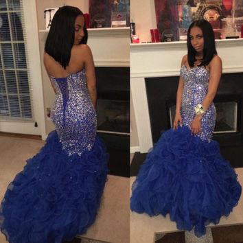 Luxury Crystal Prom Dresses 2017 Sweetheart Beaded Rhinestones Royal Blue Ruffles Organza Long Backless Graduation Party Gown