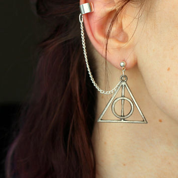 Deathly Hallows Ear Cuff, Deathly Hallows Earrings, Harry Potter Jewelry, Harry Potter Ear Cuff, Geekery Jewelry, Ear Cuff Earring