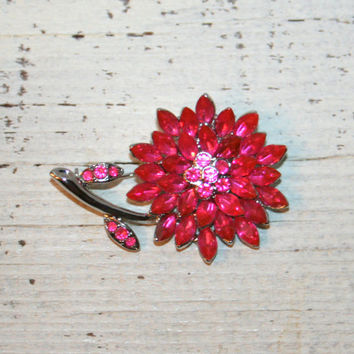 Pink Rhinestone Flower Brooch Pink Flower Pin Vintage Brooch Spring Brooch Spring Jewelry Pink Brooch Mum Daisy Sparkly Silver Pink Jewelry