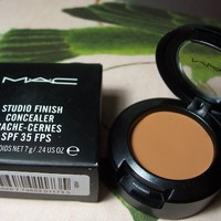 MAC Studio Finish Concealer SPF 35 NC35