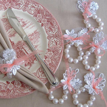 White Lace and Pearl Napkin Ring - 6 pcs
