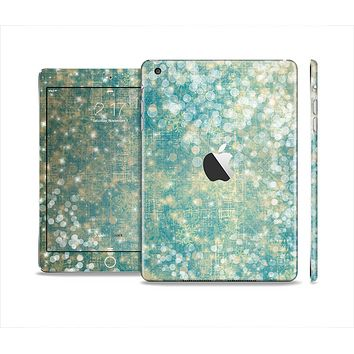 The Unfocused Green & White Drop Surface Full Body Skin Set for the Apple iPad Mini 2