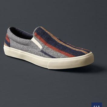 Gap Men + GQ The Hill Side Slip On Sneakers