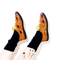 90s AFRICAN SNEAKERS // 90s shoe sneaker, wild ethnic tribal african print, geometric print, tennis shoes, black flats // Womens US Size 8