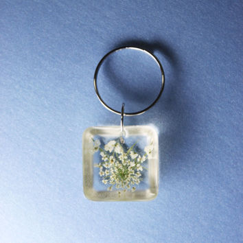 Real Pressed Flowers Small Resin Keychain Pendant - Queen Anne's Lace, Lightweight, Single Blossom, One of a Kind