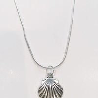 Alexa Seashell Charm Necklace