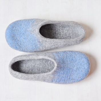 Felted slippers for women - Gray Blue - Made to order - Home wool shoes / Handmade shoes / Eco friendly slippers / Gift for woman