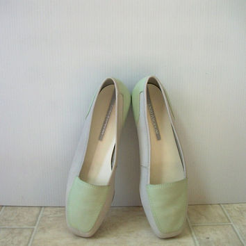 1980's Mint Green and White Women Size 8M Enzo Angiolini Leather Flats