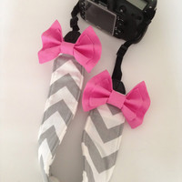 DSLR Camera Strap Cover, Canon and Nikon Compatible Grey & White Chevron with Pink Bow