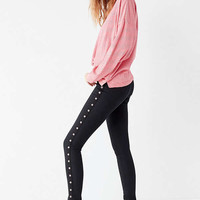 BDG Twig High-Rise Skinny Jean – Black Grommet | Urban Outfitters