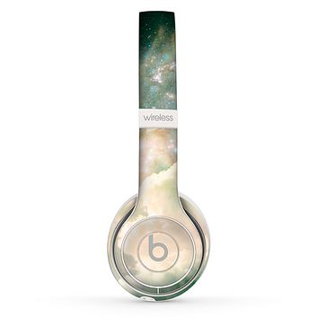 The Cloudy Grunge Green Universe Skin Set for the Beats by Dre Solo 2 Wireless Headphones