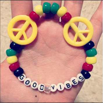 Spread Good Vibes Peace Sign One Love Bob Marley Rasta 420 Good Vibes Infinity Kandi Pony Bead Bracelet PLUR EDM Music Festival Charm