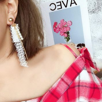 Elegant 2 color Sexy Lace Simulated Pearl Beads Long Earrings Metal Chain Strip Temperament Fashion Jewelry