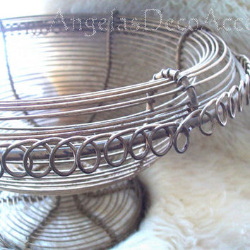 Vintage Metal Basket, Gold Brass Color Wire, Old Heavy Compote, Pedestal Basket, Buffet Centerpiece, Rounded Rim Scroll Base, Good Condition