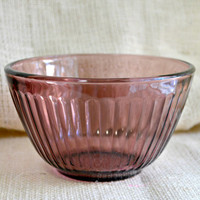 Pyrex Cranberry bowl // Small Ribbed pyrex Mixing Bowl