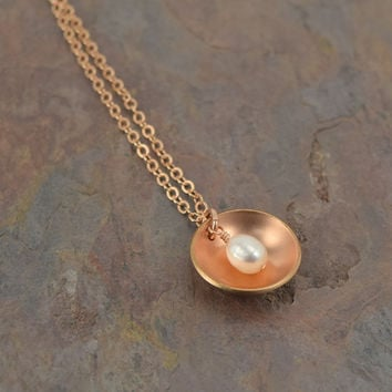Pod Rose Gold Necklace with Pearl