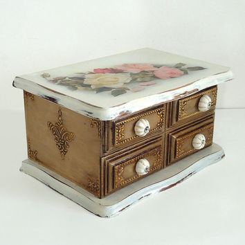 Hand Decorated Shabby Сhic Victorian Antique Style Jewelry Trinkets Box Distressed White Brown Decoupage Roses