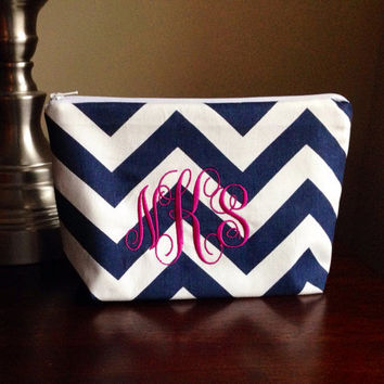 Personalized monogrammed Make up, cosmetic bag, zipper pouch, bridesmaid clutch - navy chevron zig zag