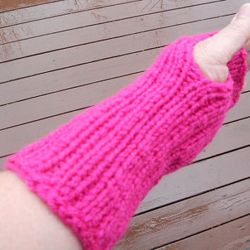 SPRING SALE!!!  Fingerless gloves knitted in hot pink - wrist warmers